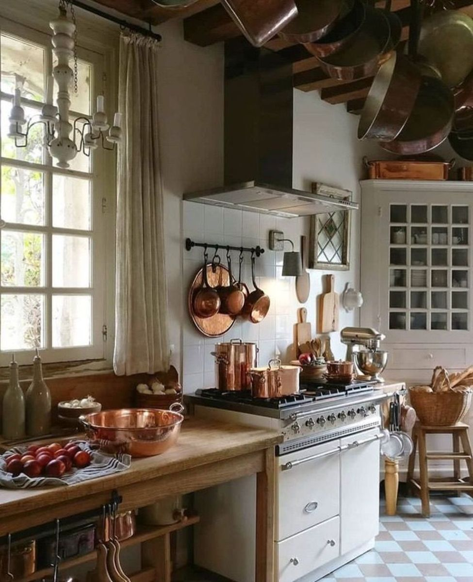Fabulous French Country Kitchens Design Ideas 11