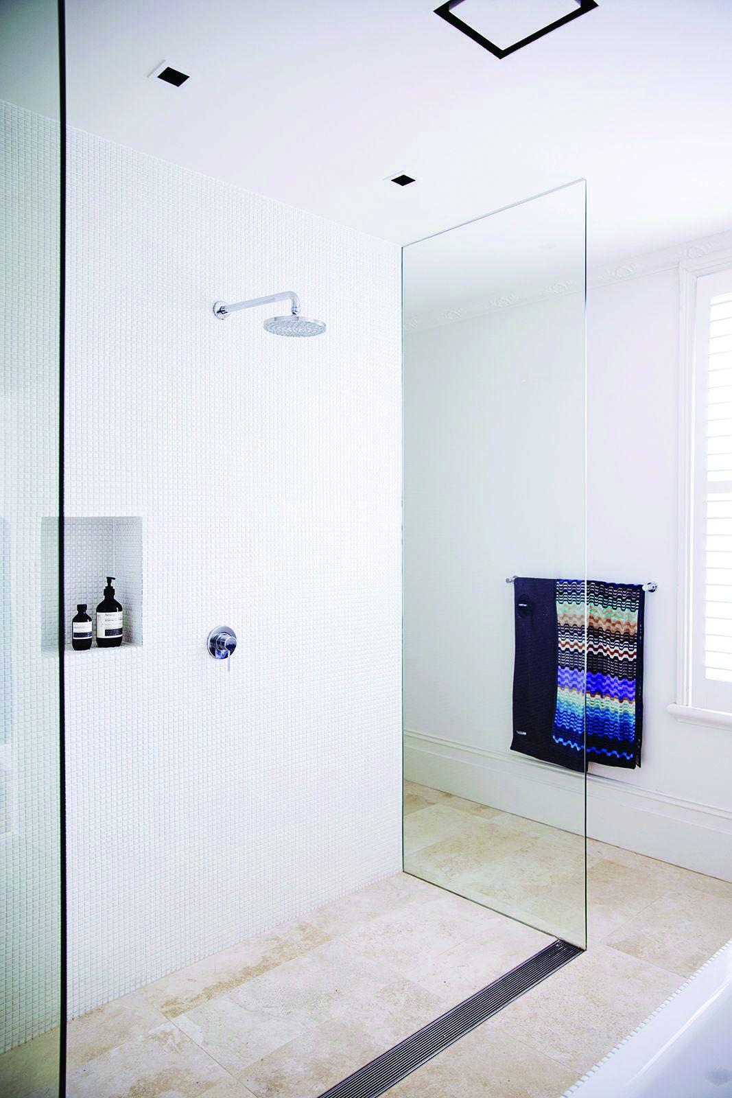 Gorgeous Outstanding Bathrooms Design Ideas 16