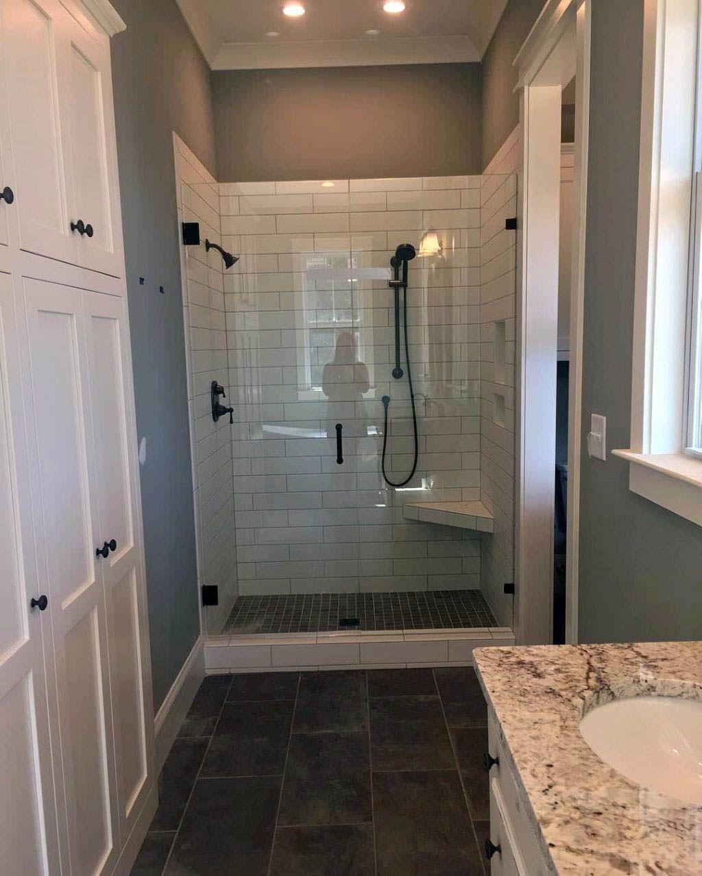 Gorgeous Outstanding Bathrooms Design Ideas 22