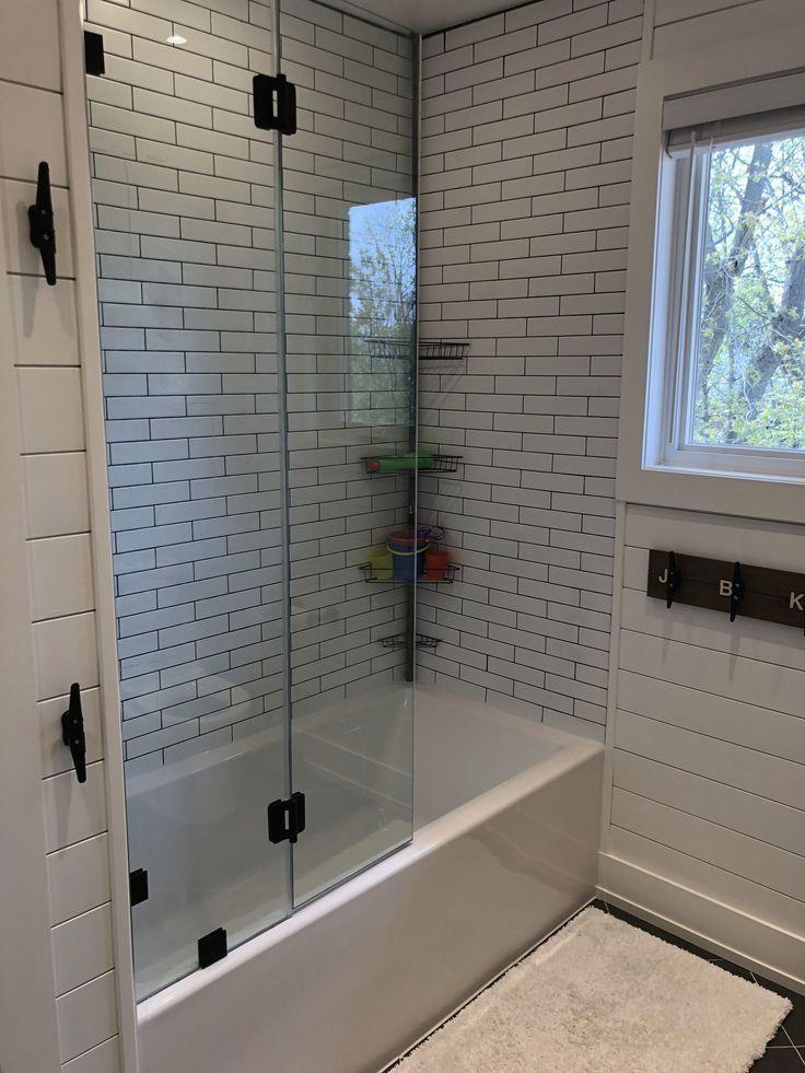 Gorgeous Outstanding Bathrooms Design Ideas 26