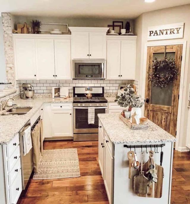 Stunning Farhouse Kitchen Design Ideas 32