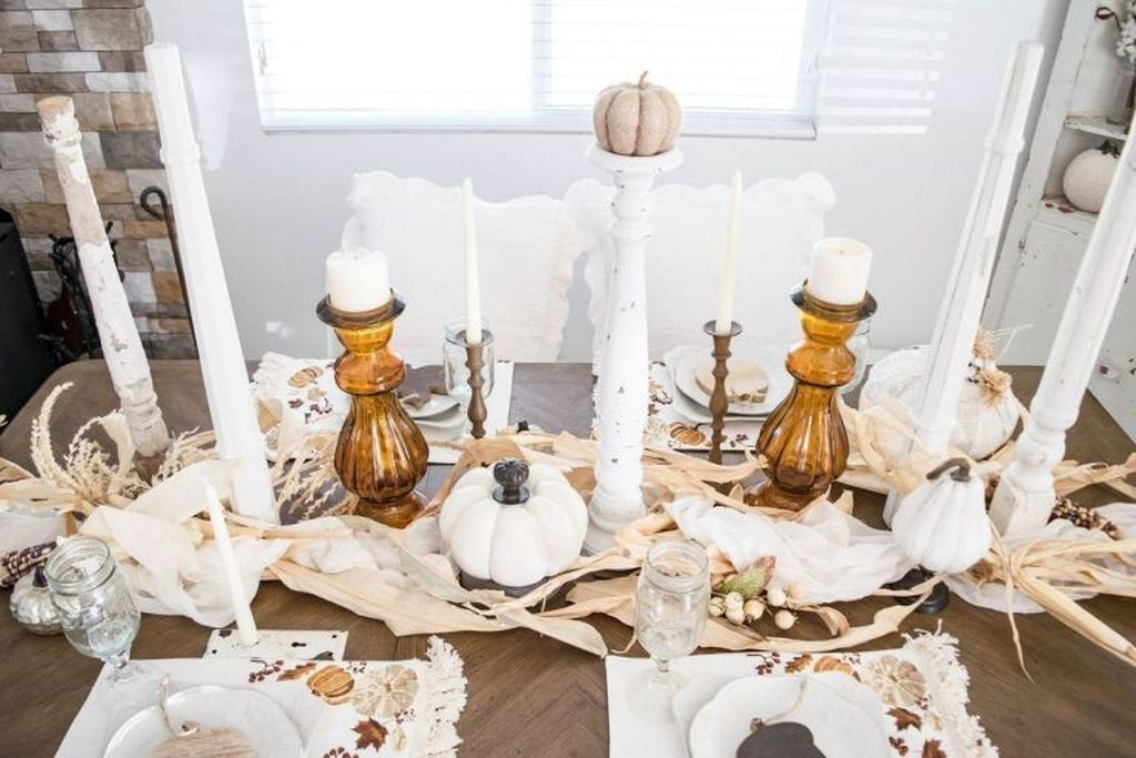 Amazing Fall Dining Table Decor Ideas For Your Dining Room Decor 15