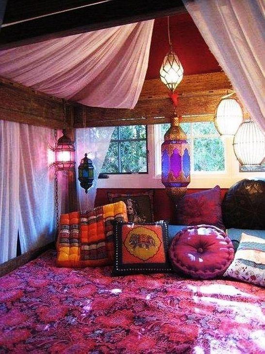 Beautiful Moroccan Bedroom Decor Ideas 07