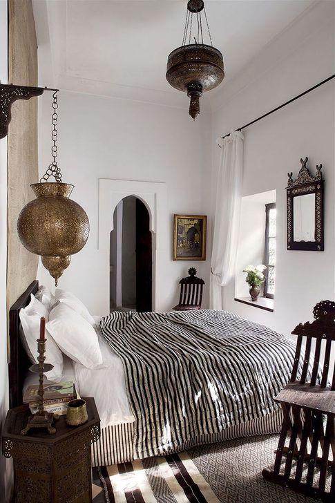 Beautiful Moroccan Bedroom Decor Ideas 19