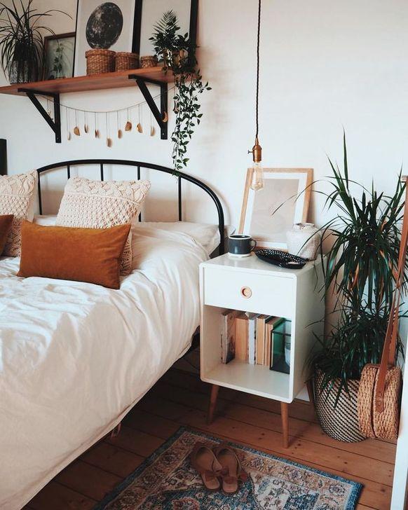 Beautiful White Bedroom Design And Decor Ideas 01