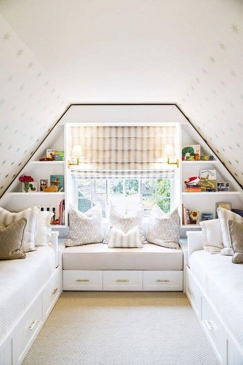 Fabulous Small Attic Bedroom Design Ideas You Will Like 07