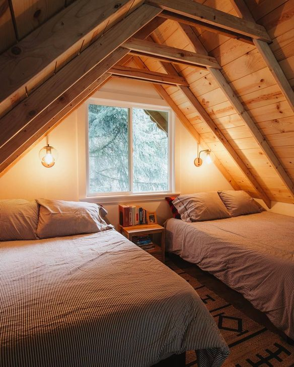 Fabulous Small Attic Bedroom Design Ideas You Will Like 10