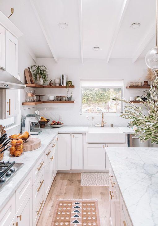 Inspiring Neutral Kitchen Design Ideas 19