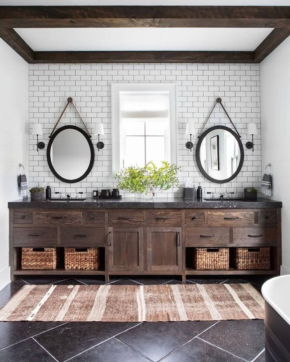 Inspiring Rustic Farmhouse Bathroom Decorating Ideas 03