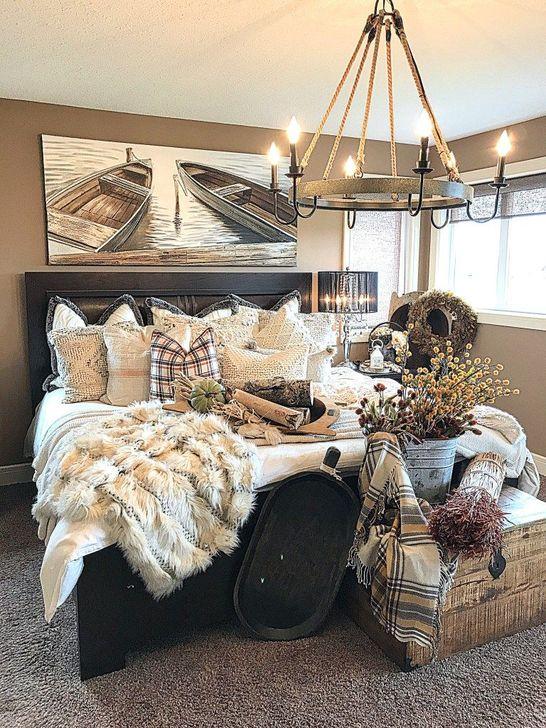 Lovely Fall Bedroom Decor Ideas 05