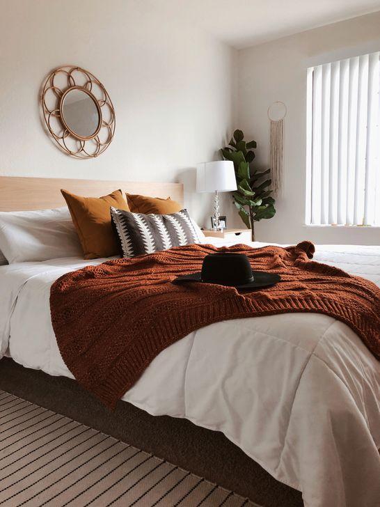 Lovely Fall Bedroom Decor Ideas 15