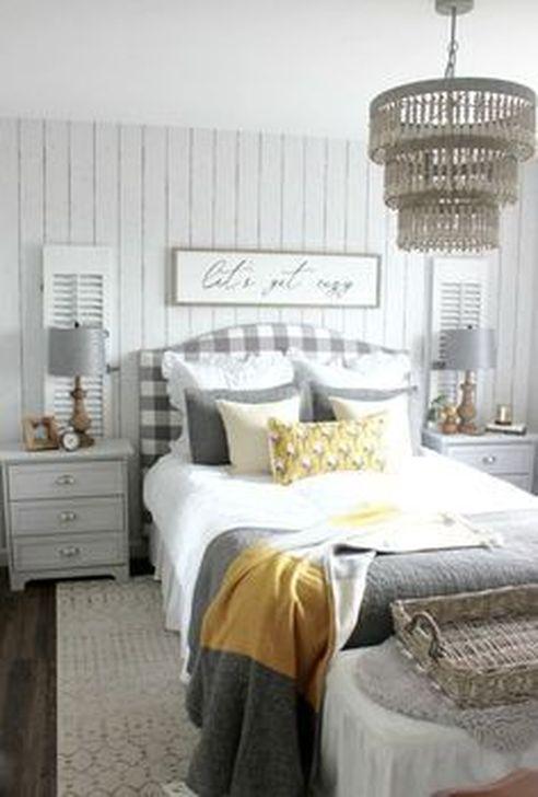 Lovely Fall Bedroom Decor Ideas 23