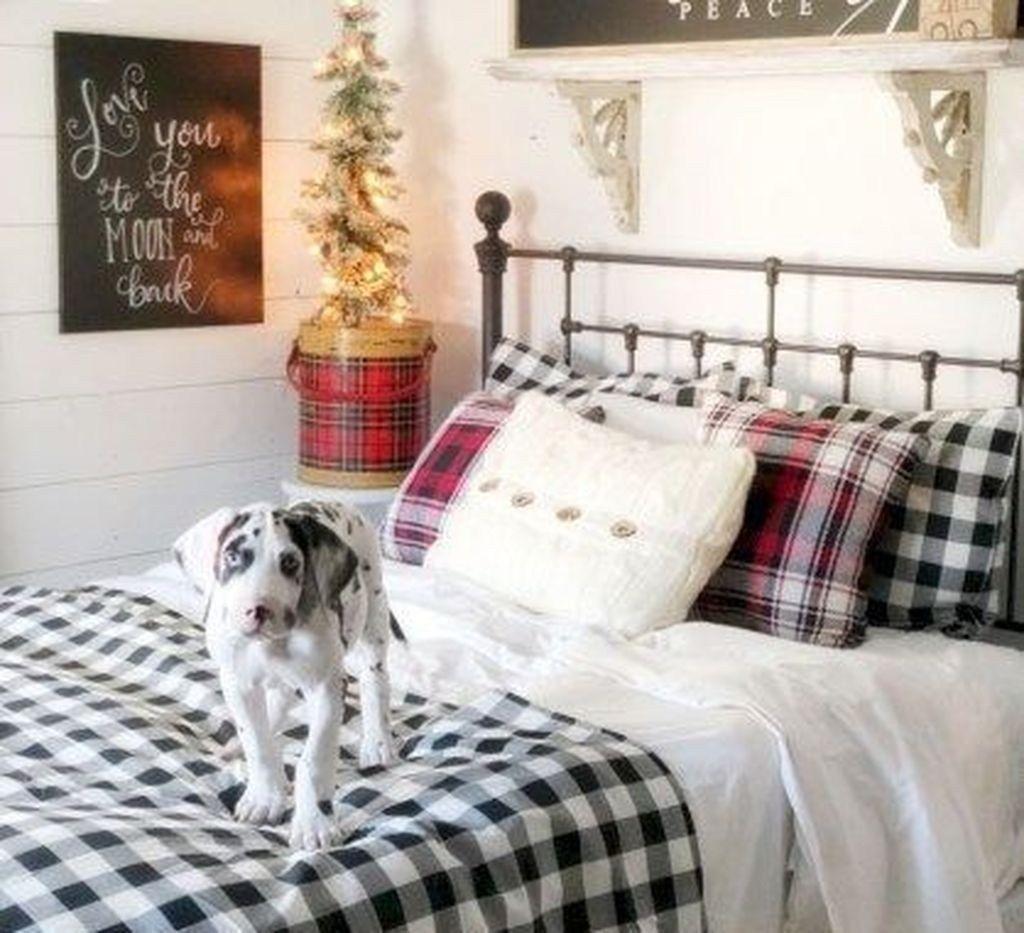Amazing Farmhouse Style Christmas Bedroom Ideas 10