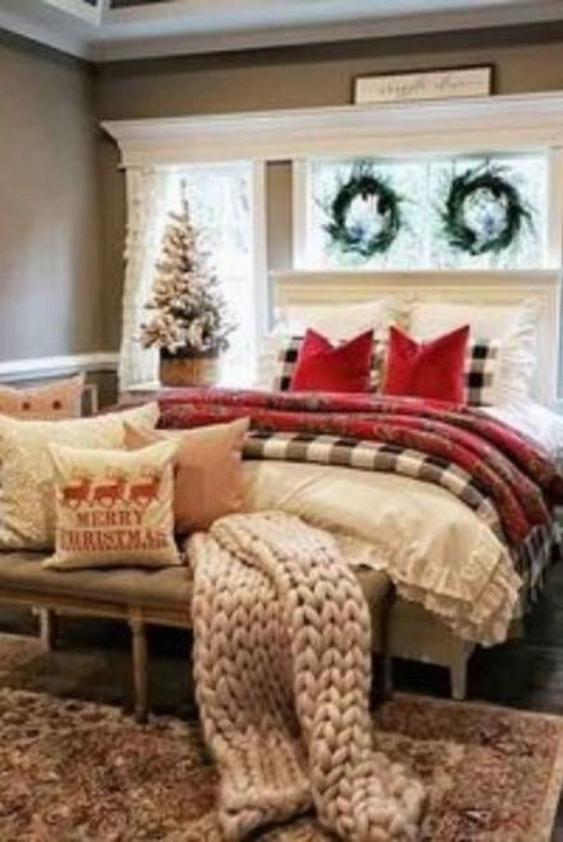 Amazing Farmhouse Style Christmas Bedroom Ideas 16