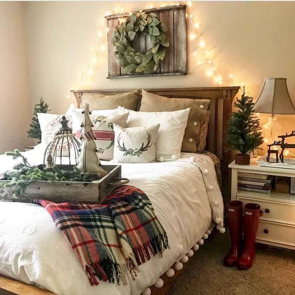 Amazing Farmhouse Style Christmas Bedroom Ideas 28