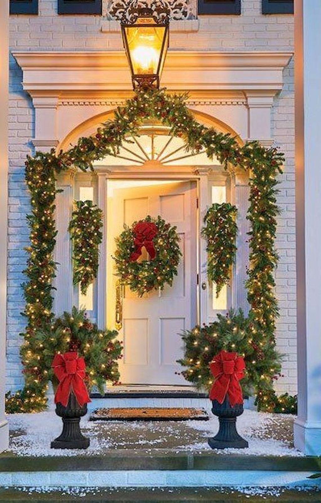 Awesome Christmas Lights Ideas For Exterior Decoration 11