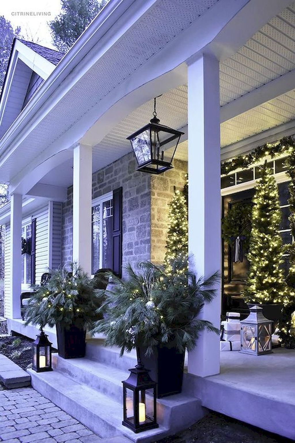 Awesome Christmas Lights Ideas For Exterior Decoration 13