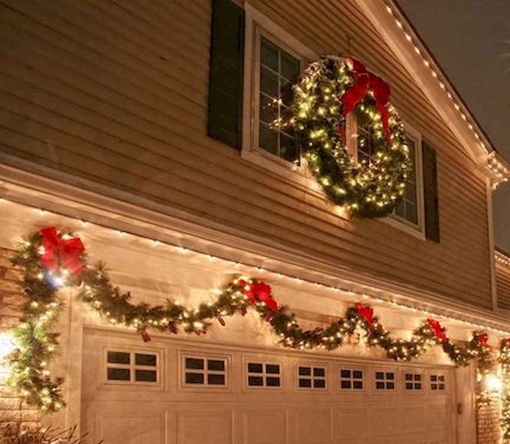 Awesome Christmas Lights Ideas For Exterior Decoration 15