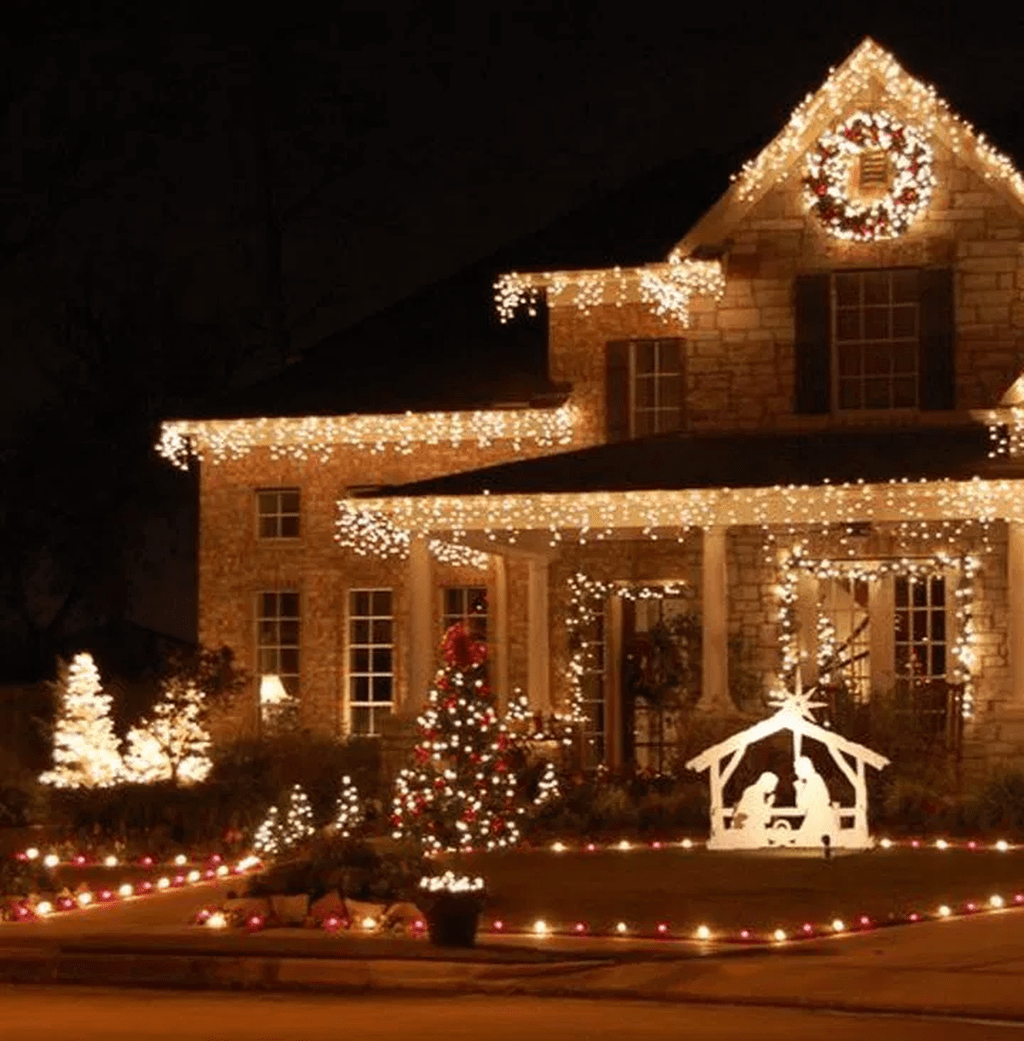 Awesome Christmas Lights Ideas For Exterior Decoration 19
