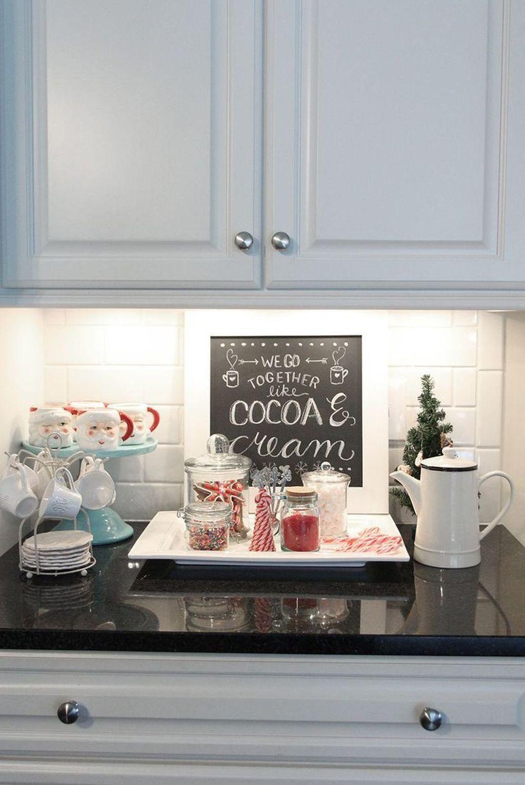 Awesome Christmas Theme Kitchen Decor Ideas 12