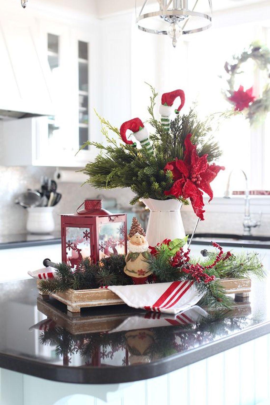 Awesome Christmas Theme Kitchen Decor Ideas 21