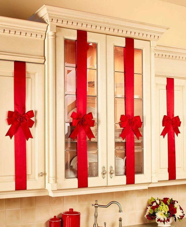Awesome Christmas Theme Kitchen Decor Ideas 26