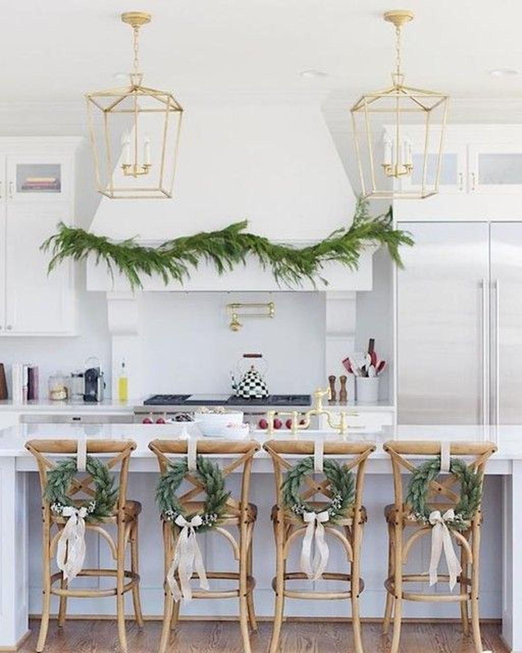 Awesome Christmas Theme Kitchen Decor Ideas 28