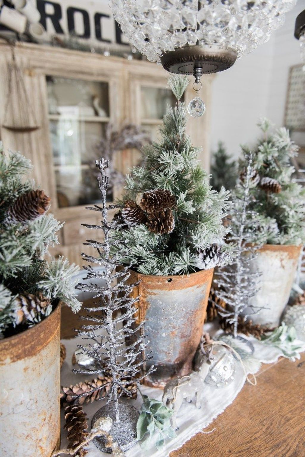 Beautiful Christmas Dining Room Decor Ideas You Never Seen Before 02