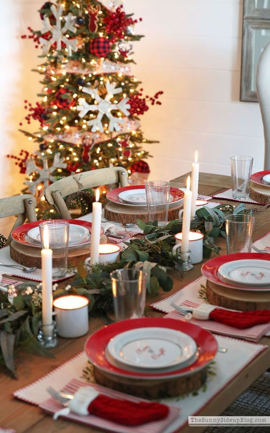 Beautiful Christmas Dining Room Decor Ideas You Never Seen Before 03