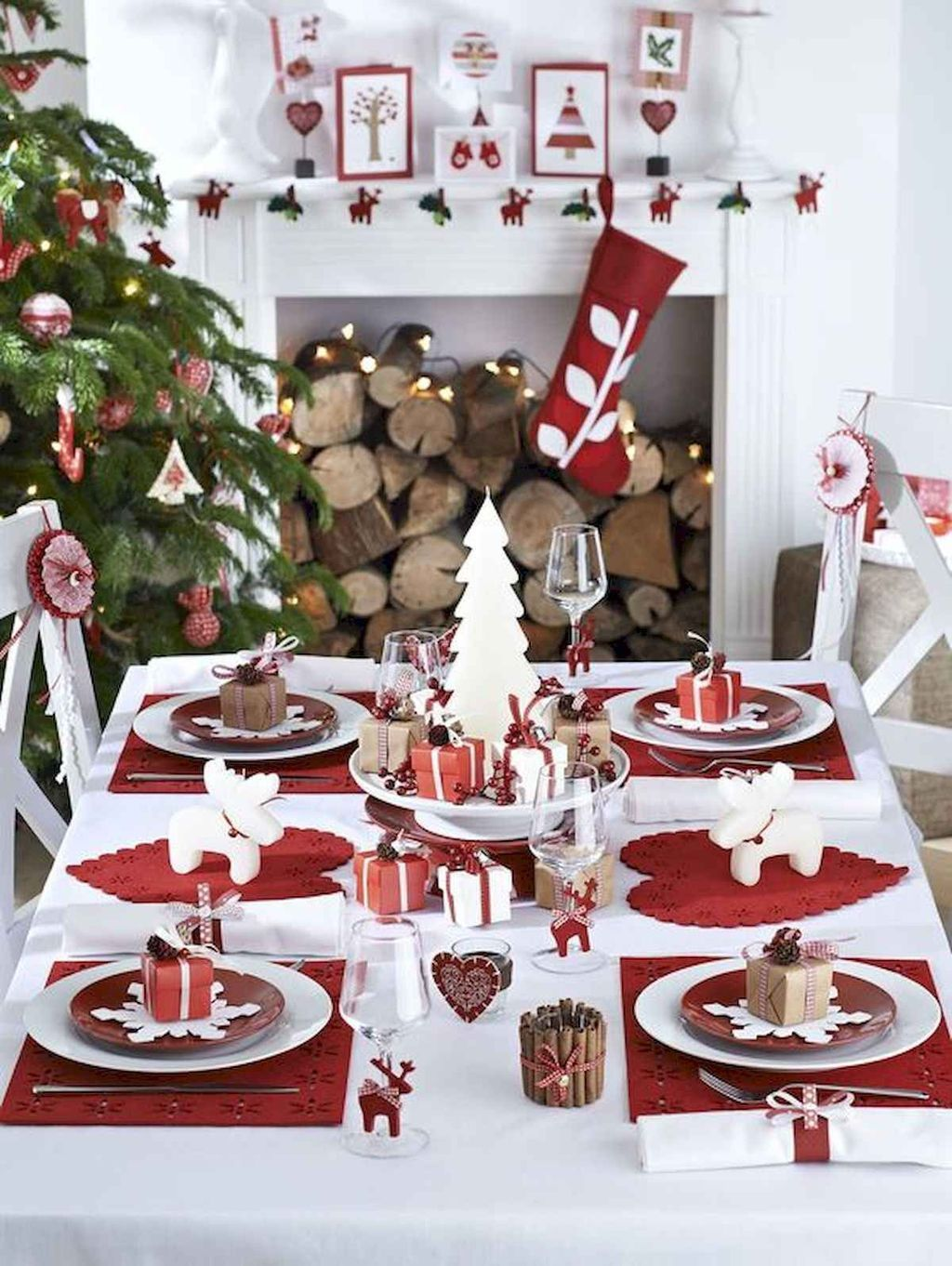 Beautiful Christmas Dining Room Decor Ideas You Never Seen Before 04