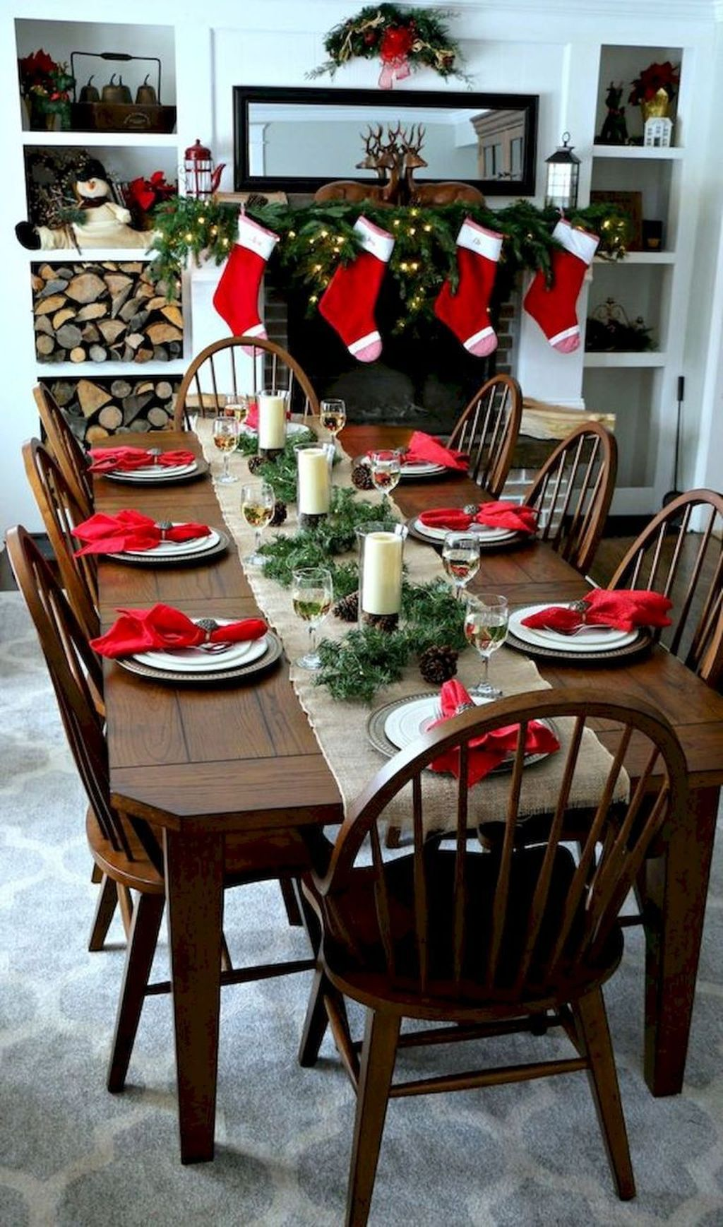 Beautiful Christmas Dining Room Decor Ideas You Never Seen Before 05