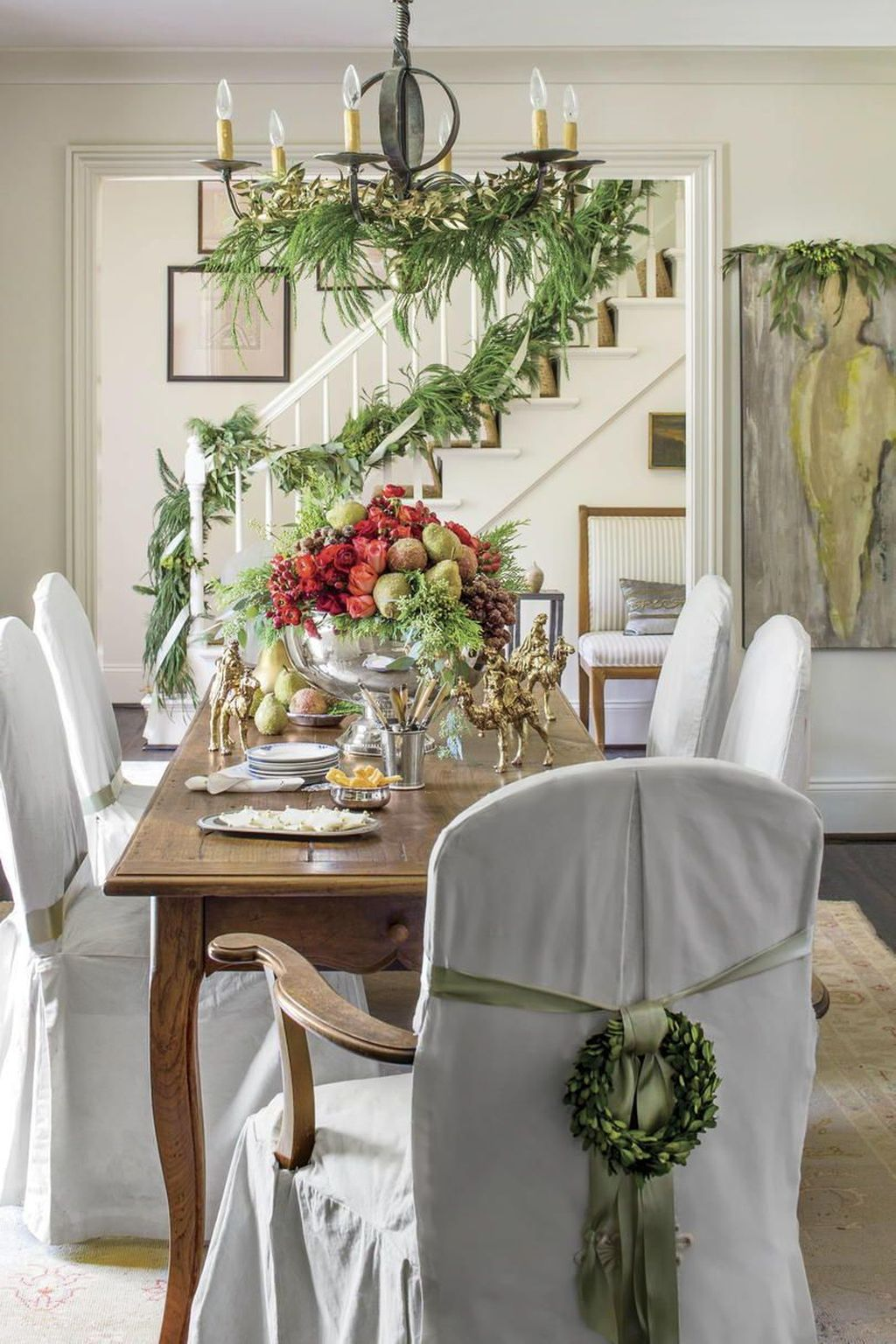 Beautiful Christmas Dining Room Decor Ideas You Never Seen Before 06
