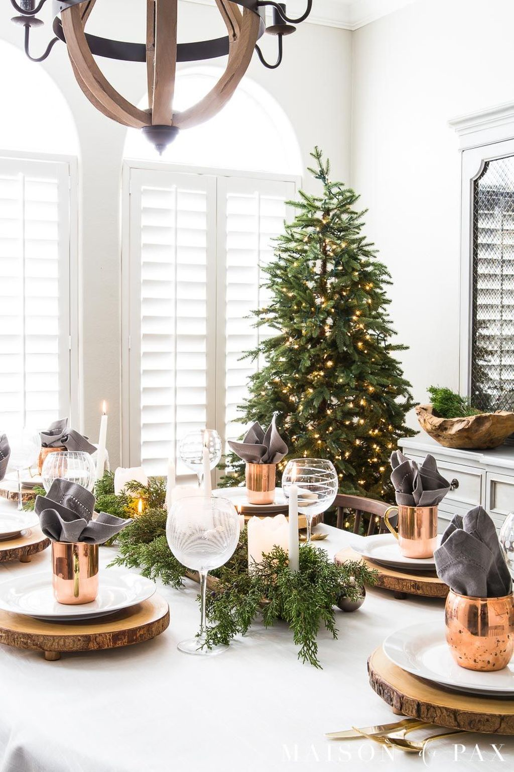 Beautiful Christmas Dining Room Decor Ideas You Never Seen Before 23