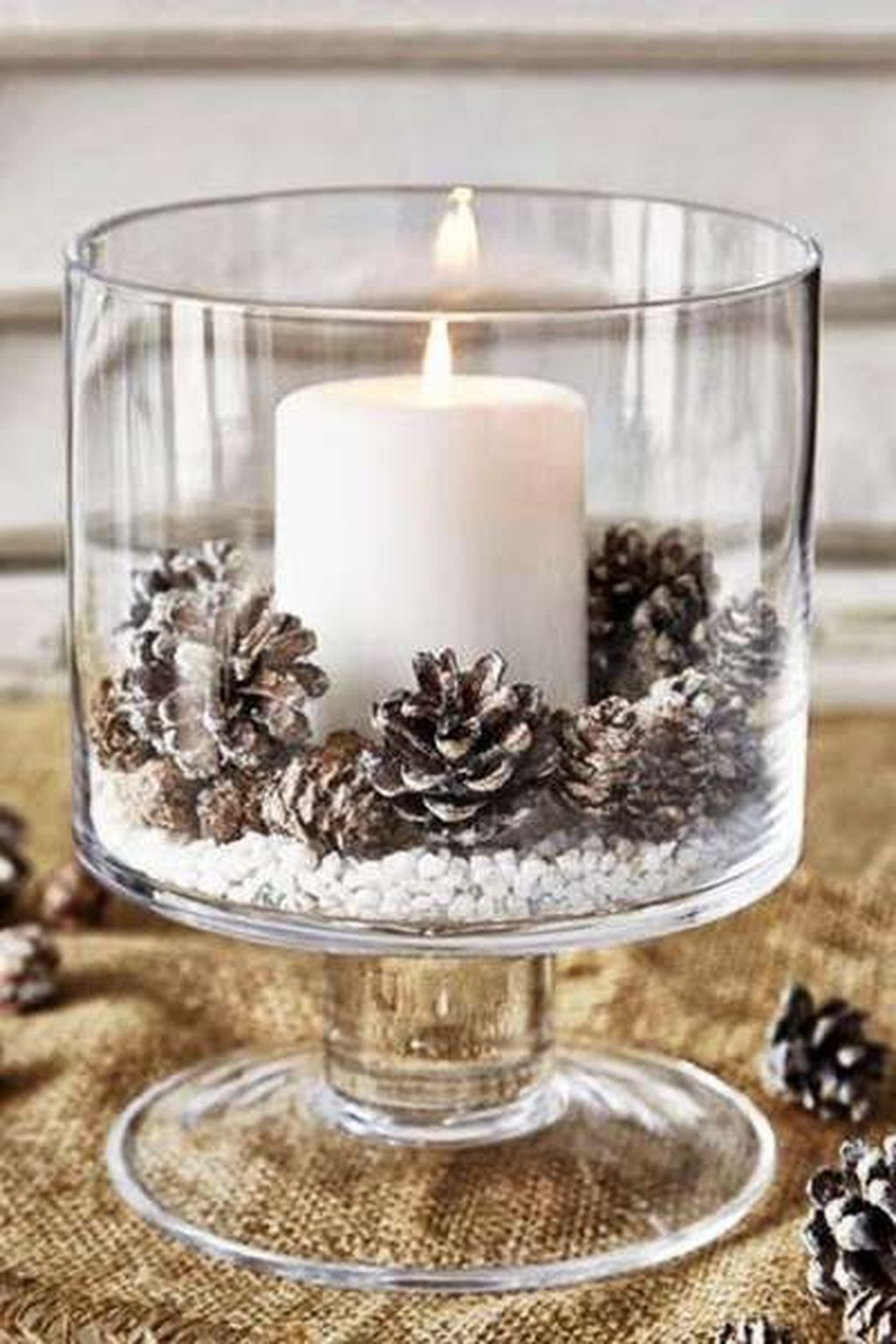 Beautiful Christmas Table Centerpieces For Your Dining Room 20
