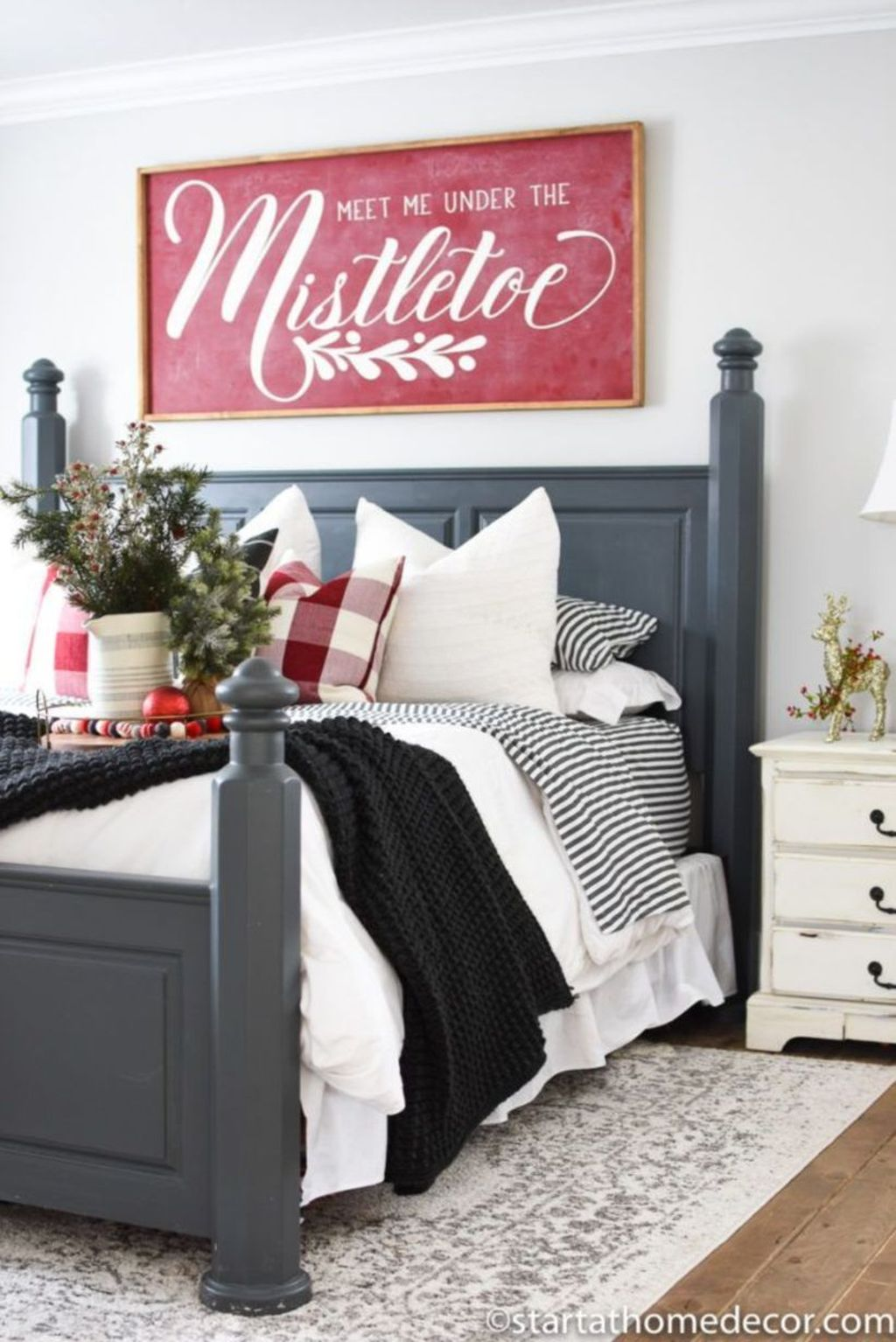 Beautiful Winter Bedroom Decor Ideas 02