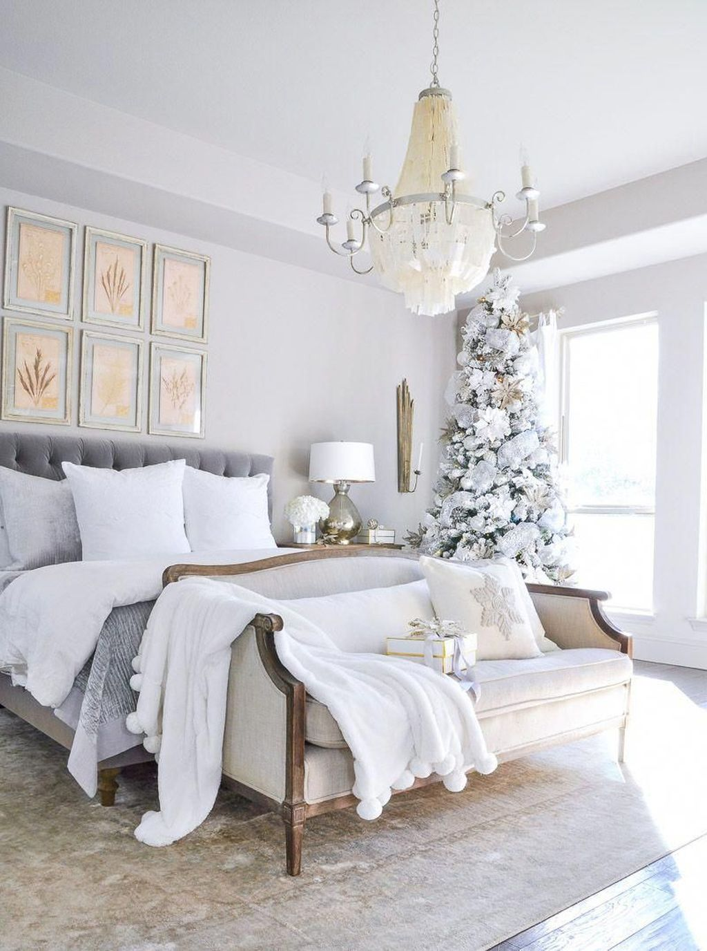 Beautiful Winter Bedroom Decor Ideas 04