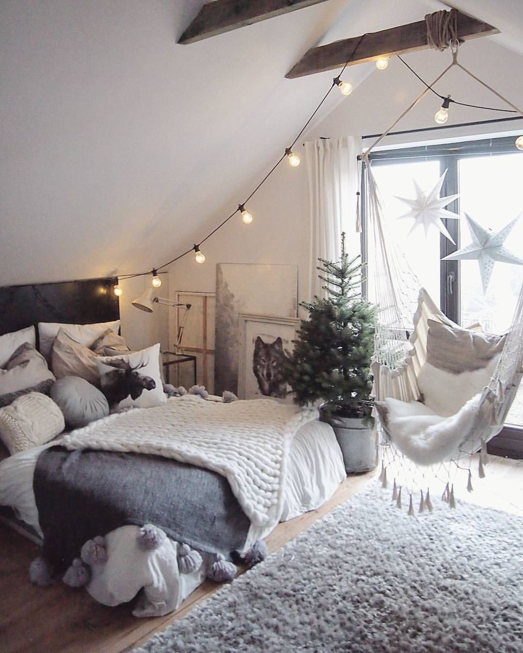 Beautiful Winter Bedroom Decor Ideas 23