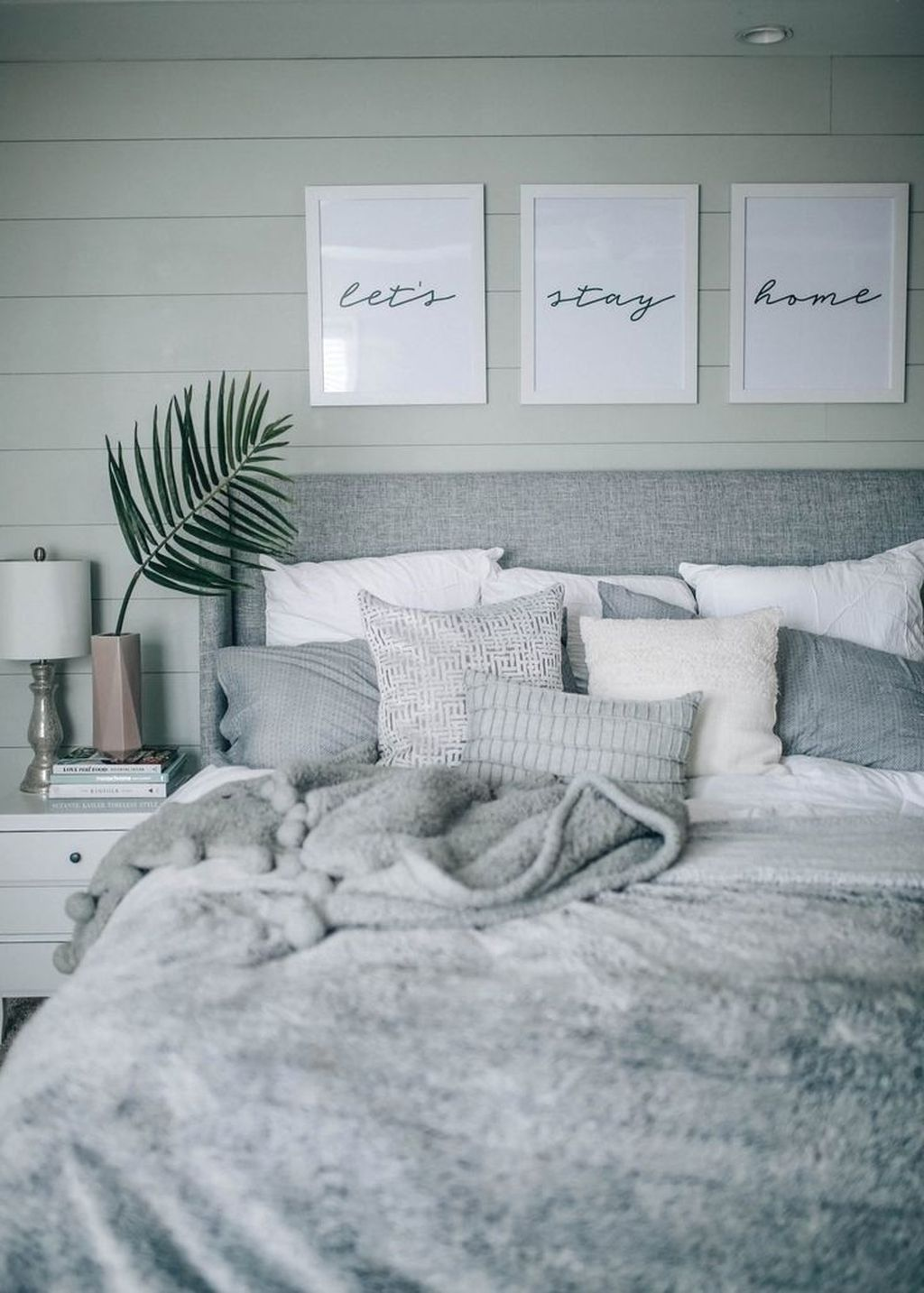 Beautiful Winter Bedroom Decor Ideas 28