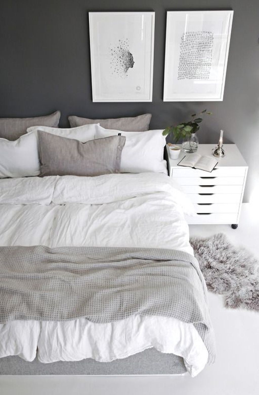 Beautiful Winter Bedroom Decor Ideas 33