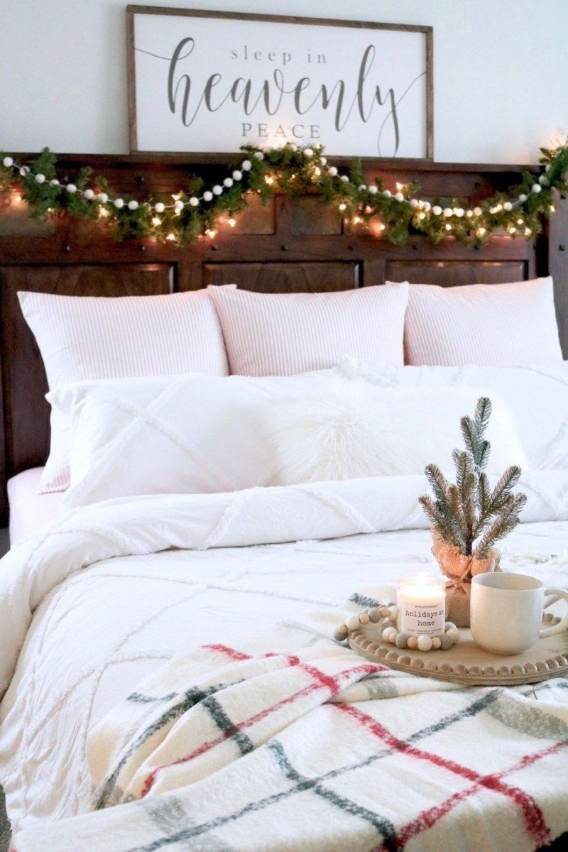 Beautiful Winter Bedroom Decor Ideas 35