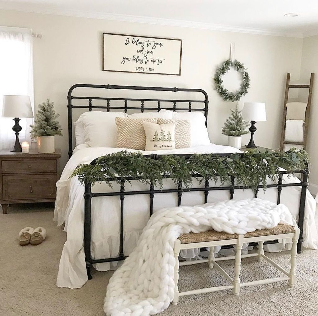 Beautiful Winter Bedroom Decor Ideas 36