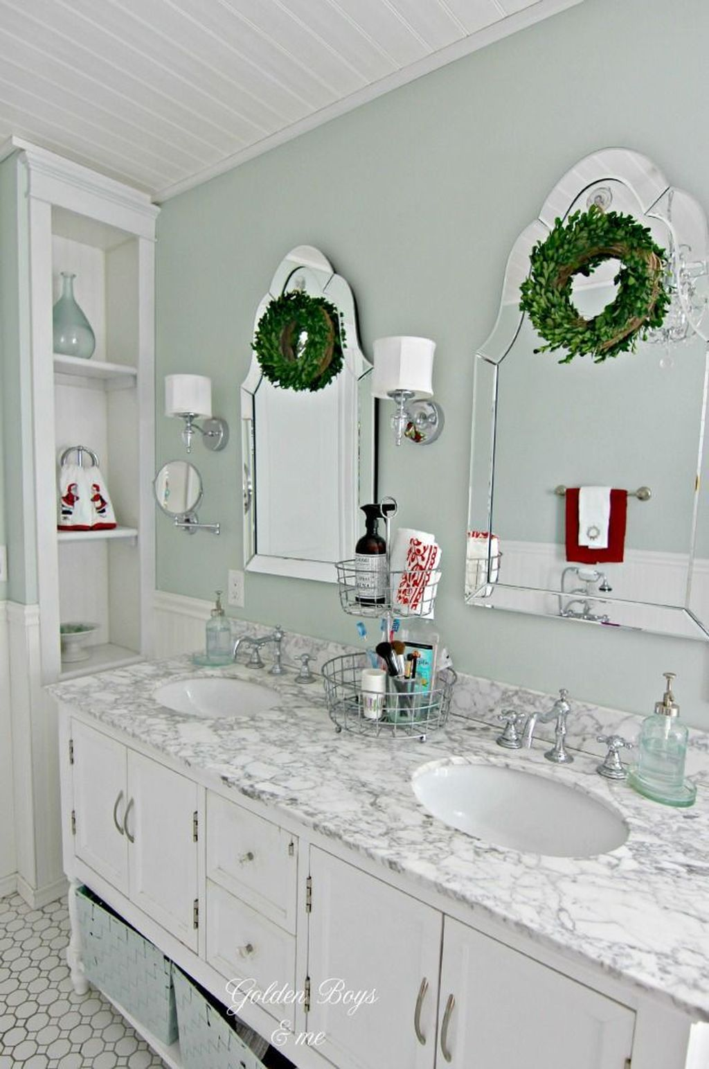 Fabulous Christmas Theme Bathroom Decor Ideas Trend 2019 24