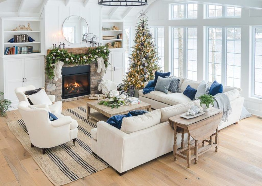 Gorgeous Christmas Living Room Decor Ideas To Look More Beautiful 15