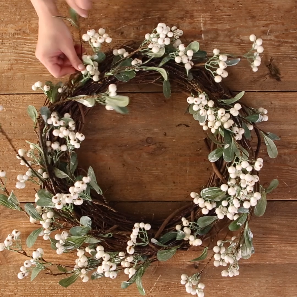 Gorgeous DIY Christmas Wreaths You Should Copy Now 10
