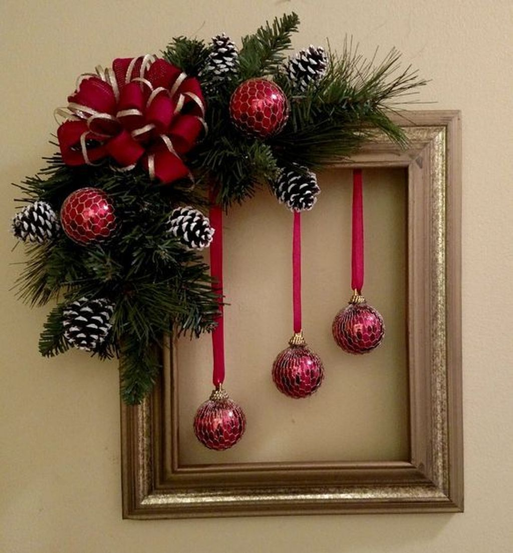Gorgeous DIY Christmas Wreaths You Should Copy Now 12