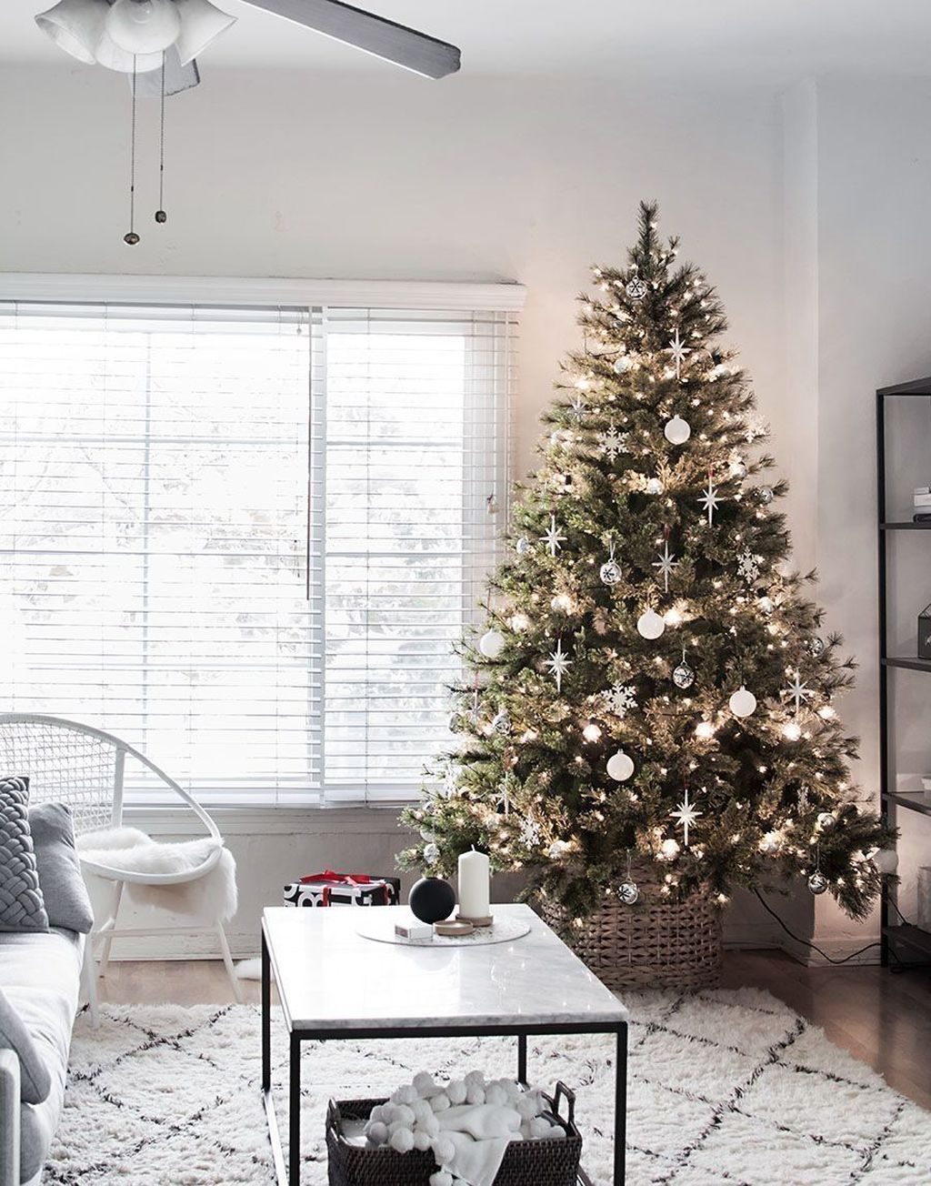 Nice Christmas Decoration Ideas For Apartment 29