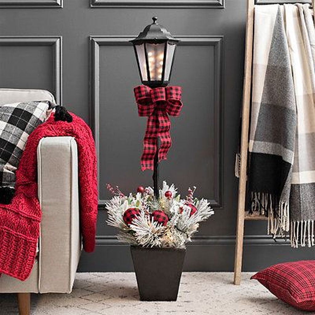 Nice Christmas Decoration Ideas For Apartment 30