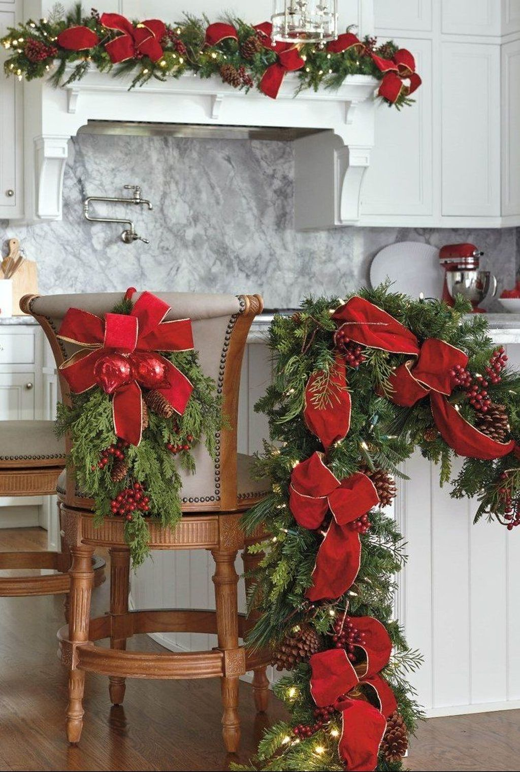 Popular Christmas Decor Ideas For Kitchen Island 08