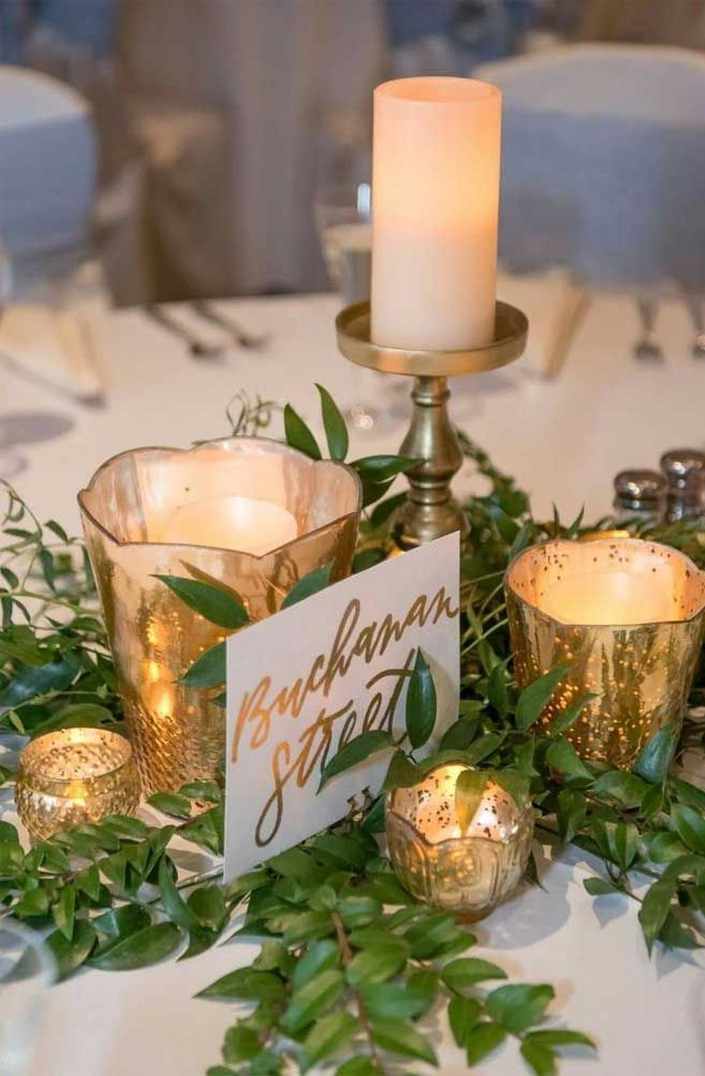 Popular Winter Table Centerpieces Ideas Best For Wedding 03