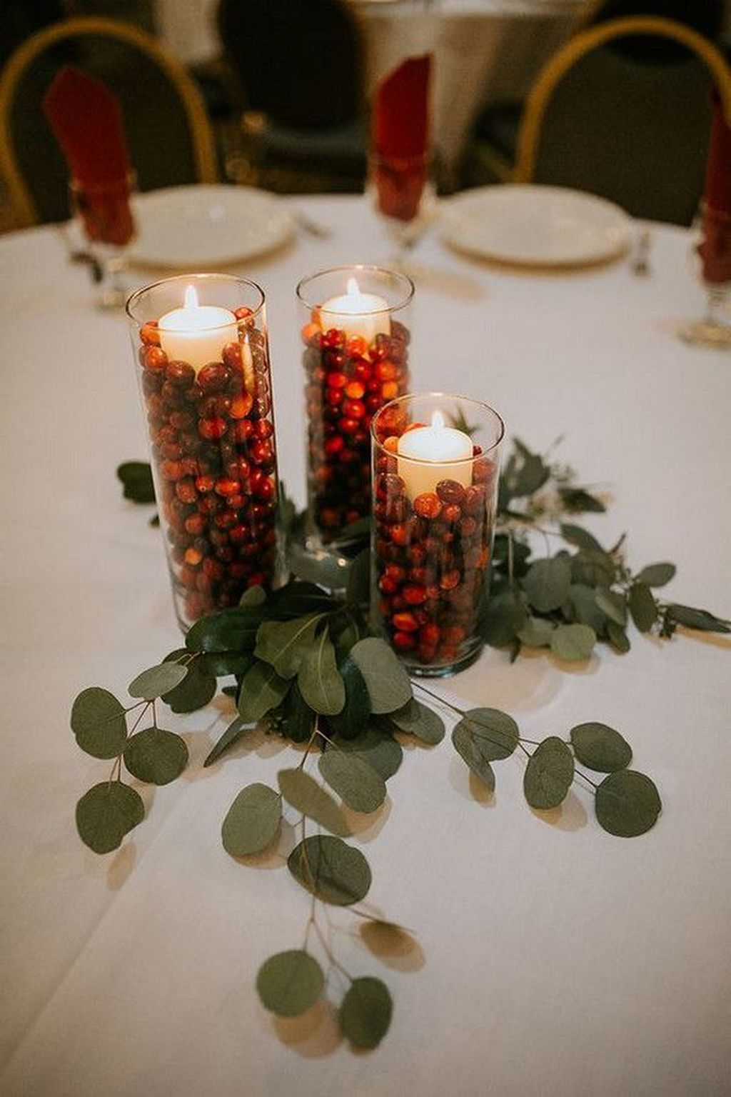 Popular Winter Table Centerpieces Ideas Best For Wedding 21